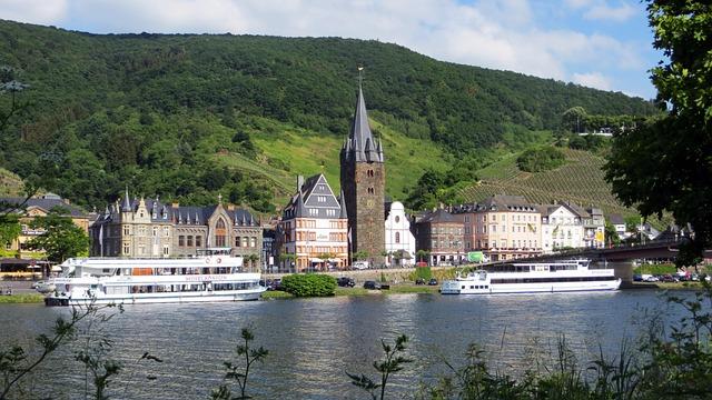 Mosel, Wine Village, Bernkastel Kues, Truss, Ships