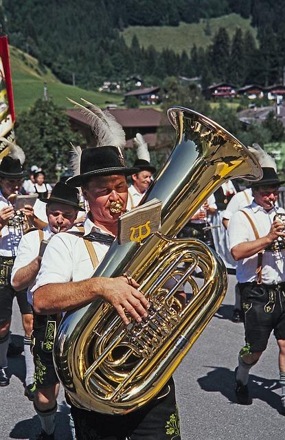 Costume, Move, Tuba, Instrument, Wind Instrument