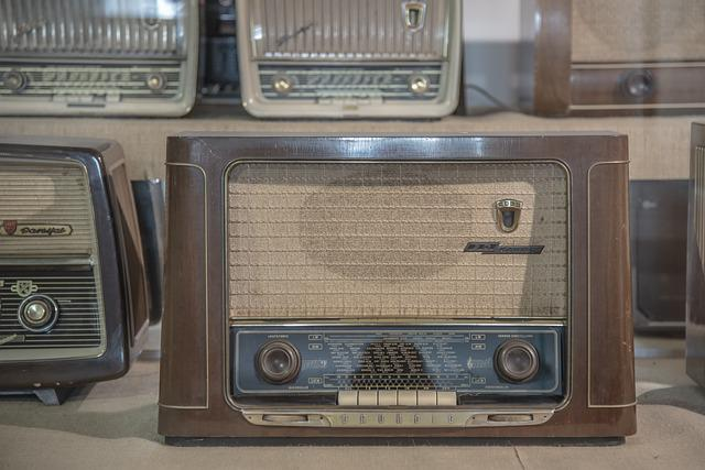 Radio, Tube Radio, Antique, Old, Speakers, Retro