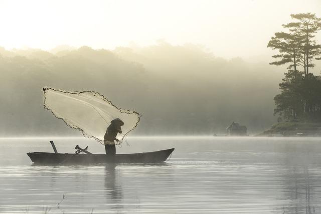 Fisherman, Fishing, Lake, Tuyen Lam, Da Lat, Vietnam