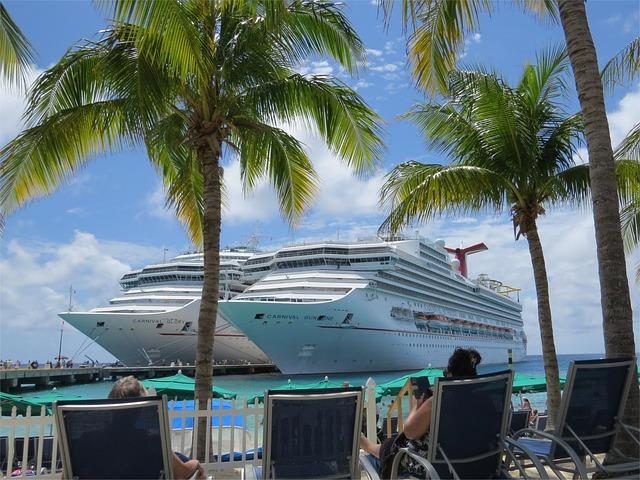 Two, Cruise, Ships, Bahamas