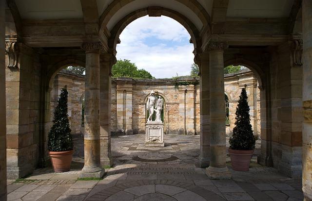 Hever Castle, Kent, Uk, Italian Garden, Marble Statue