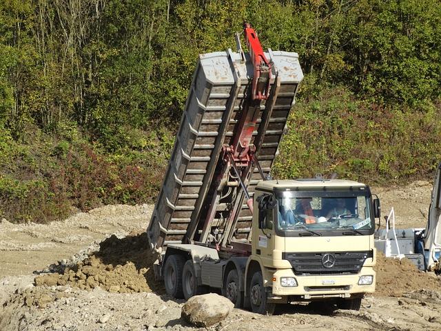 Tilt Trucks, Truck, Kieswerk, Unloading Point, Earth