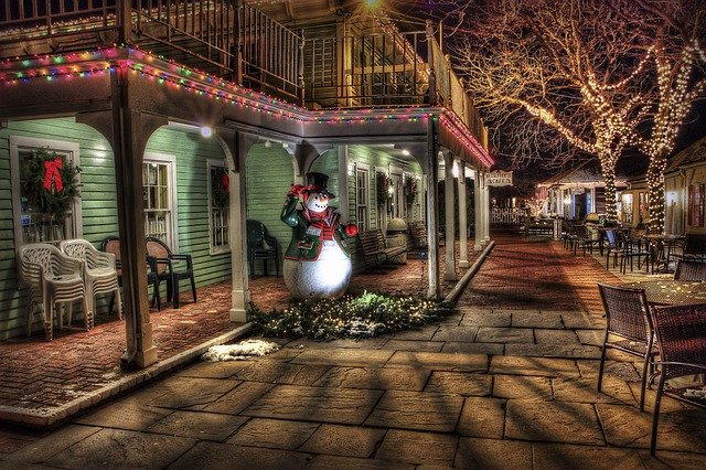 Snowman, Town, Urban, Christmas Decoration, Christmas