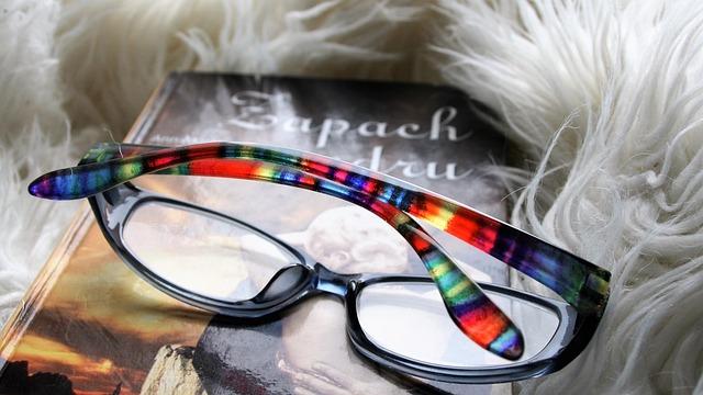 Reading, Closeup, Glasses, Vacations, Book