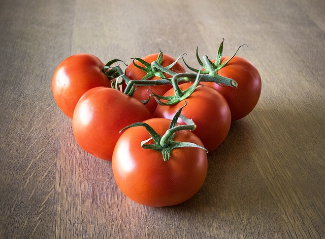 Tomatoes, Vegetables, Healthy, Fruits And Vegetables