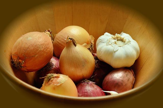 Onions, Garlic, Tubers, Vegetables, Frisch, Nutrition