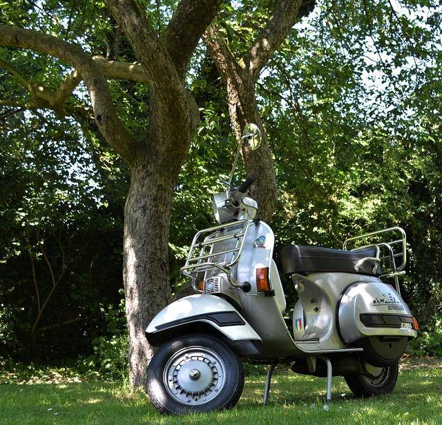 Vespa, Oldtimer, P200e, Motor Scooter, Roller, Vehicle