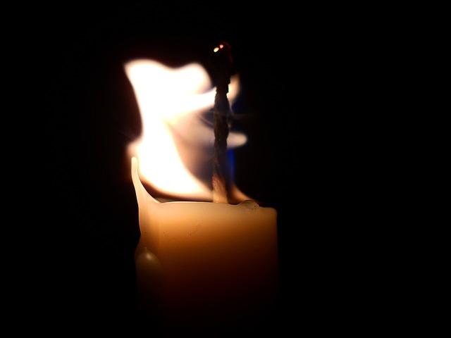 Vela, Luz, Llama