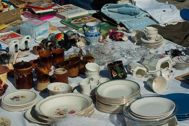 Flea Market, Dishes, Vide-grenier, Chips