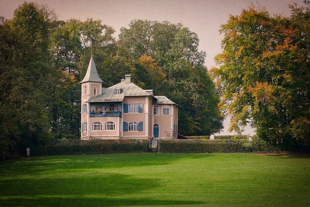 Tree, Rush, Architecture, Home, Grass, Castle, Villa