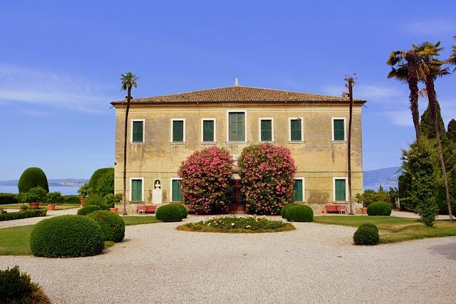 Villa, Square, Court, Ancient, Punta San Vigilio, Italy