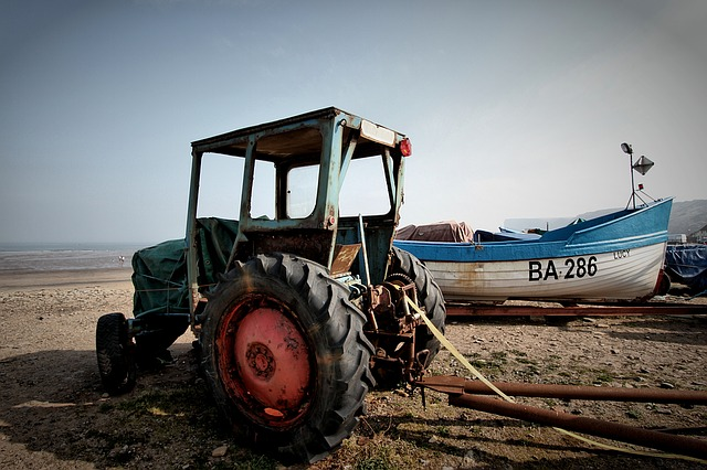 Tractor, Old, Rusty, Vintage, Agriculture, Machinery