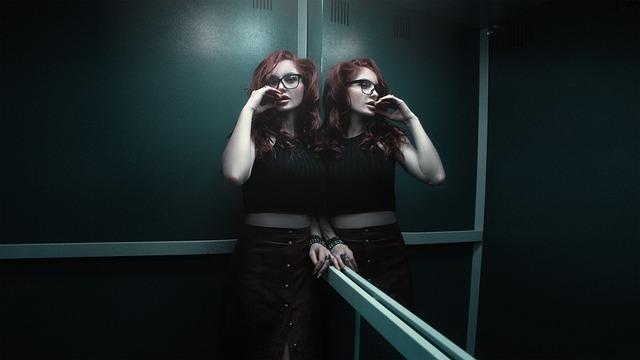 Girl In The Elevator, Photoshoot, Skirt, Girl, Waiting