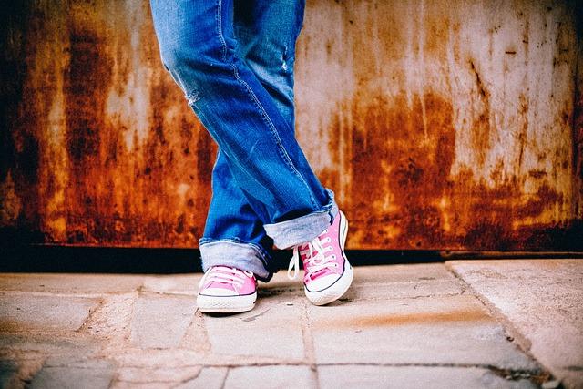 Feet, Legs, Standing, Waiting, Crossed, Urban, Jeans