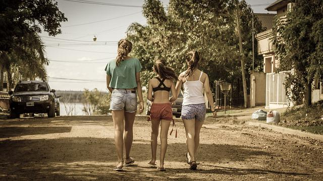 Girls, Walk, Walkers, Afternoon, Field, Campestre, Path