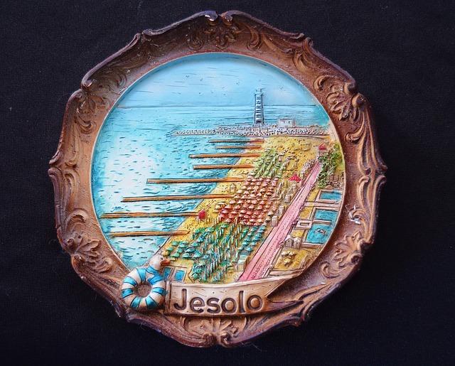 Souvenir, Italy, Jesolo, Wall Plate, Relief, Memory
