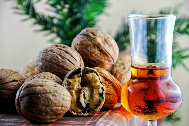 Nuts, Walnut, Walnuts, Eat, Nut, Autumn, Delicious