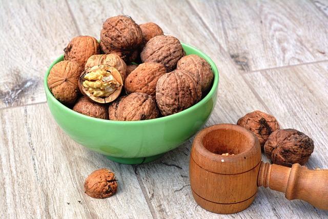 Walnut, Walnuts, Smash, Autumn, Nuts, Split