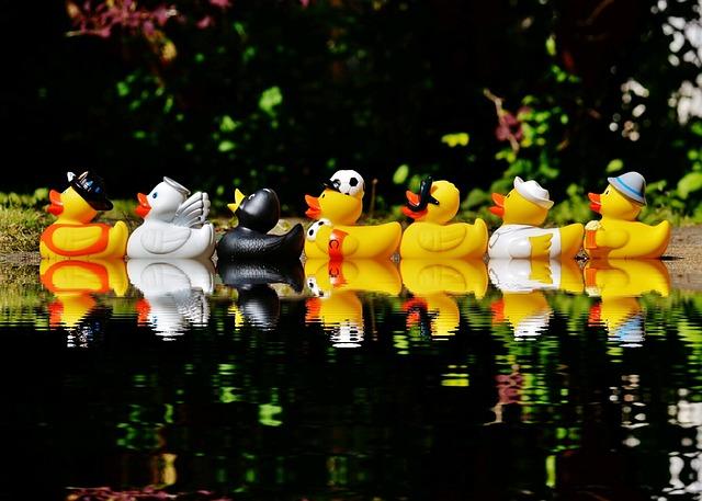 Rubber Ducks, Bath Ducks, Fun Bathing, Mirroring, Water