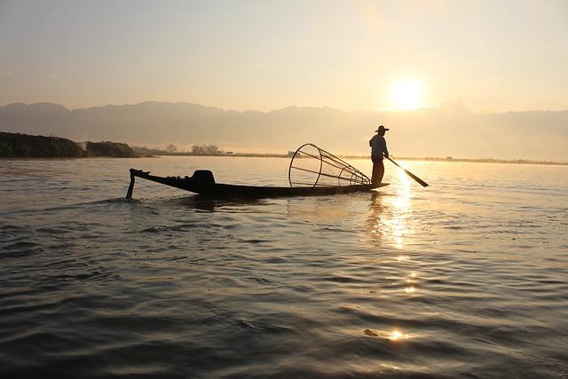 Fisherman, Boat, Inle Lake, Myanmar, Burma, Water
