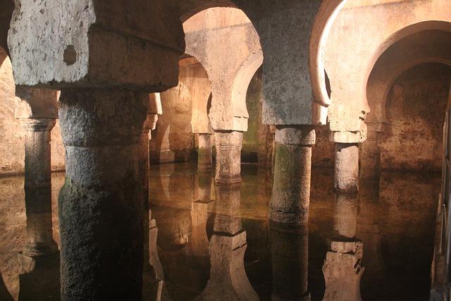 Cáceres, Cistern, Water, Reflection