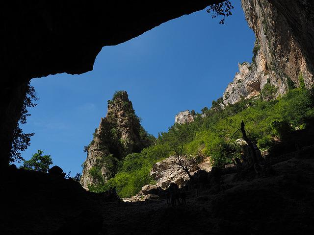 Source De La Sorgue, Source, Spring, Water Cave, Cave