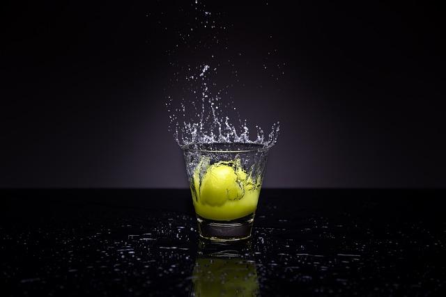 Water, Splash, Photography, Lemon, Bar, Glass, Liquid