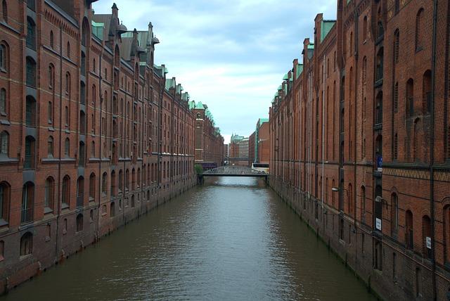 Hamburg, Speicherstadt, Water, Channel, Downtown