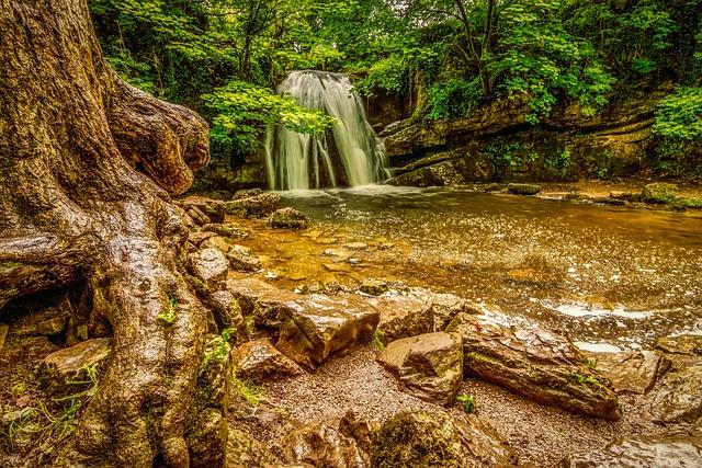 Janet's Foss, Janets Foss, Waterfall, Malham, Yorkshire