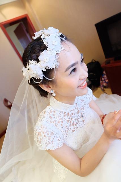 China, Bride, Warm, Happy, White, Wedding Dresses