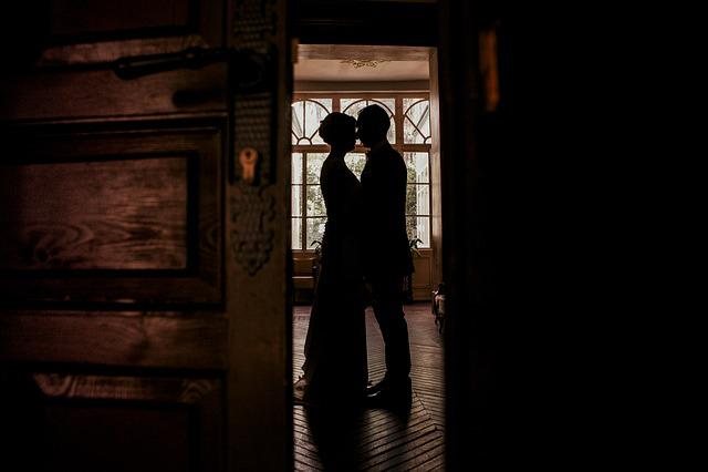 Wedding, Black And White, Perfume, Windows, Backlight