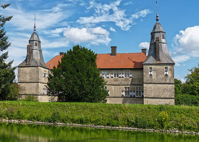 Castle, Moated Castle, Moat, Wasserburg, Well, Towers
