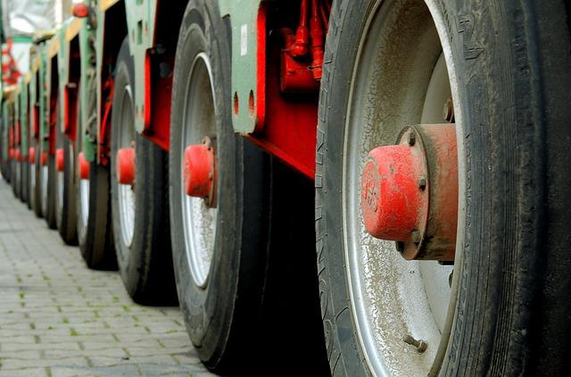 Mature, Rim, Red, Wheels, Wheel, Vehicle, Transport