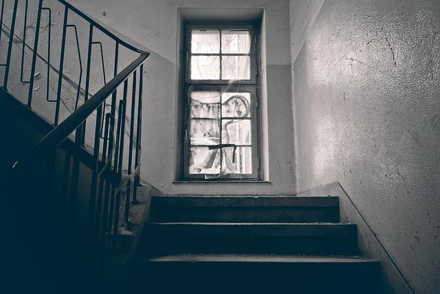 Lost Places, Window, Stairs, Treppengeländer, Gradually