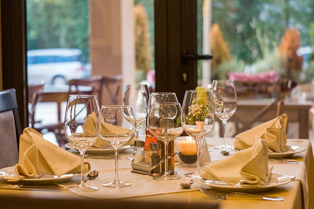 Restaurant, Wine, Glasses, Served, Dinner, Celebration