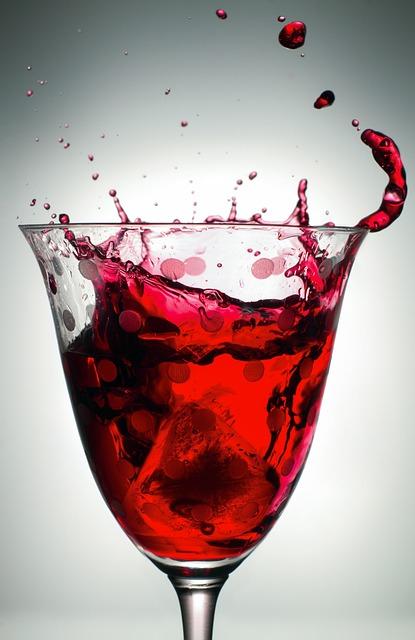 Drink, Glass, Liquid, Alcohol, Wine, Spray, Ice