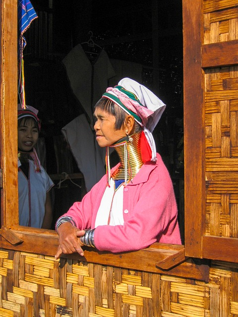 Burma, Woman, Extended Neck