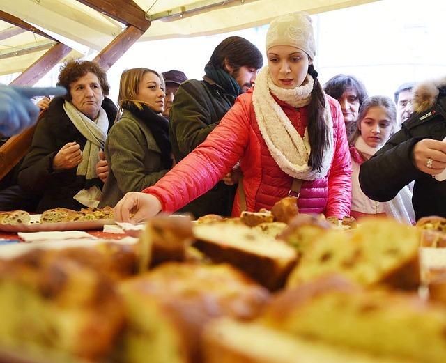 Tasting, Market, Woman, Perugia, Plum Cake