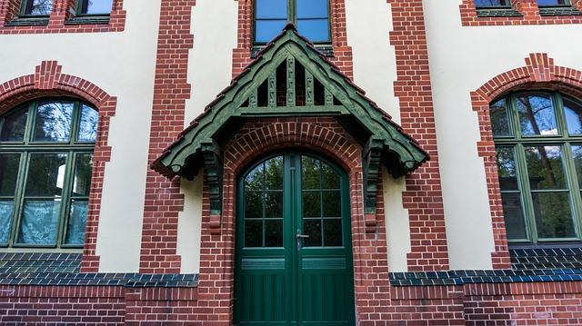 Facade, Masonry, Window, Canopy, Input, Door, Old, Wood