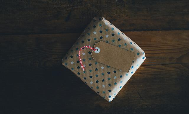 Card, Gift, Gift Wrap, Paper, Present, Wood
