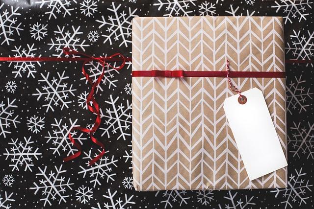 Christmas, Gift, Wrap, Tag, Gray Gift