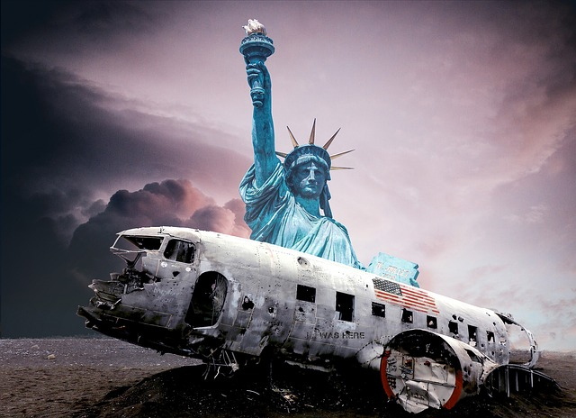 Crash Landing, Statue Of Liberty, Torch, Usa, Wreck