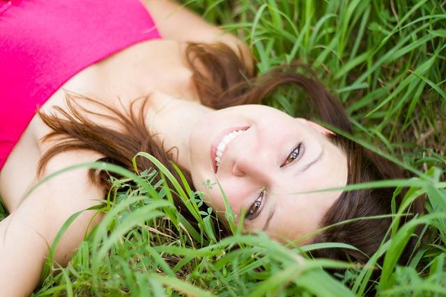 Beautiful, Young, Girl, Women, Lay, Laying, Grass