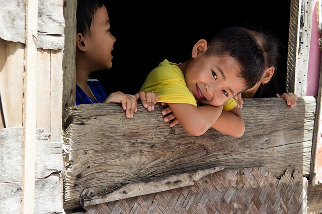 Young, Children, Knife, Vung Tau, Gloomy, Home, Page